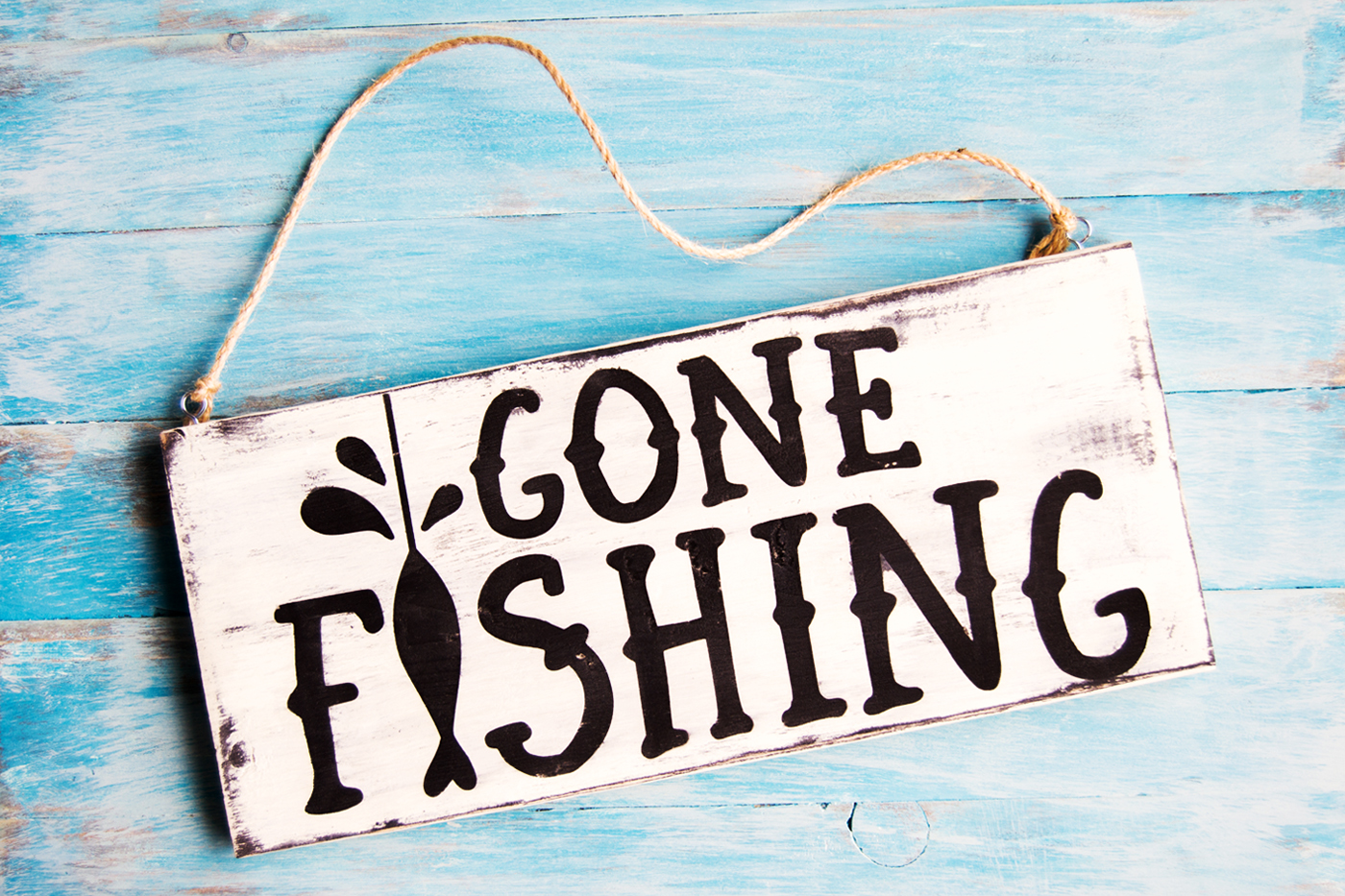 gone-fishing-sign-diy